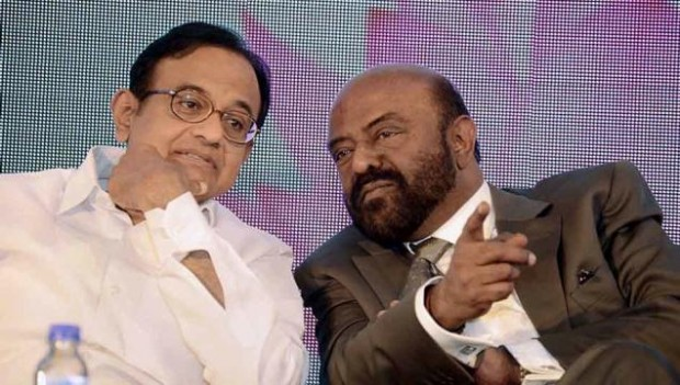 Shiv Nadar with Former Indian Minister P. Chidambaram