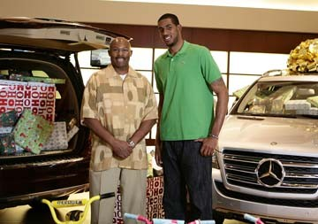 Seagoville High basketball coach Robert Allen with LaMarcus Aldridge
