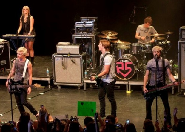 R5 Live Performance Of their Album