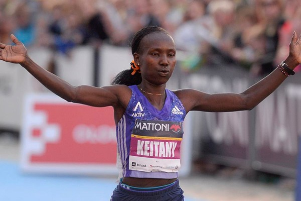 Mary Keitany wins the Olomouc Half Marathon