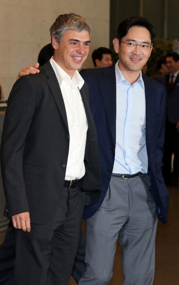 Samsung Vice Chairman Lee Jae-yong, left, with Google co-founder Larry