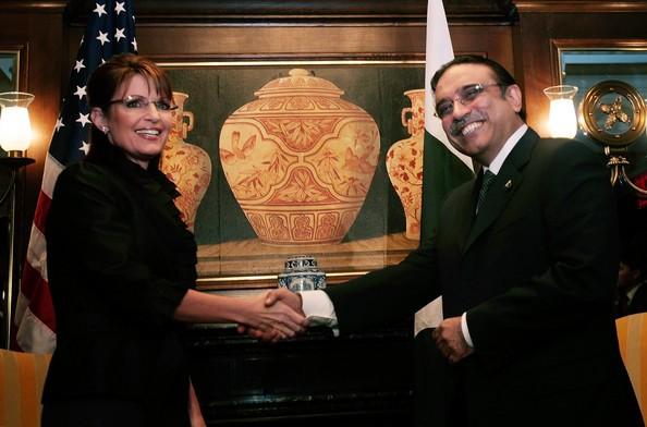 Sarah Palin meets Pakistans President Asif Ali Zardari.jpg