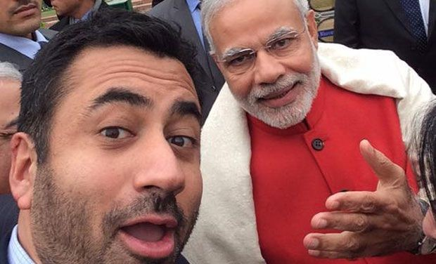 Kal Penn Taking Selfie With Narendra Modi