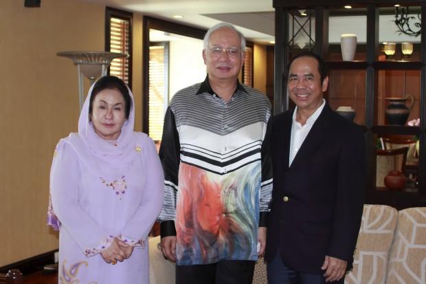 Sam Goi with Malaysia Minister