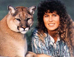 Young Terri Irwin with Lion