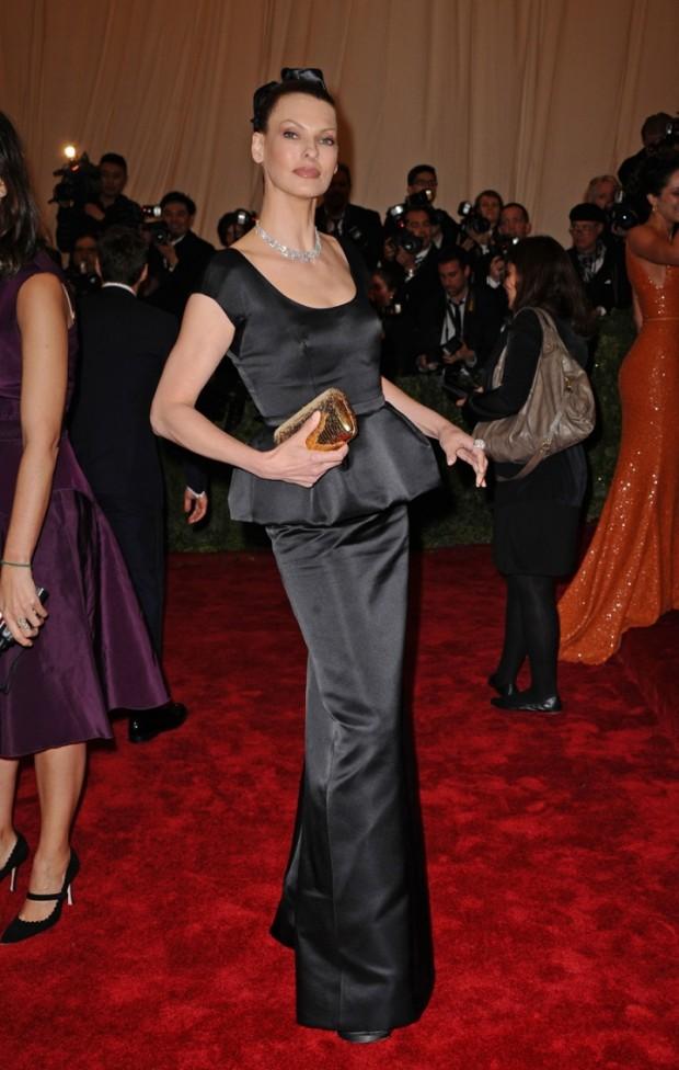 Linda Evangelista Shines At The Met Gala