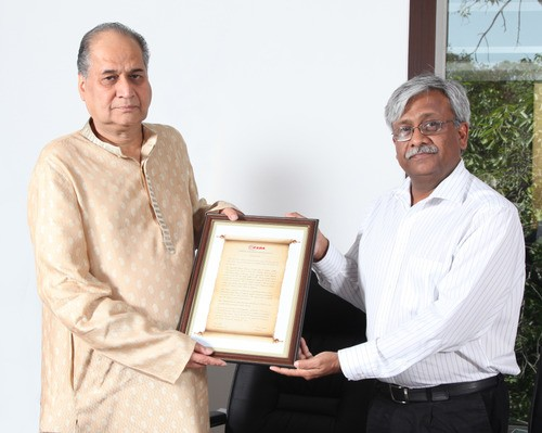 Mr Rahul Bajaj Conferred With Life Time Contribution Award