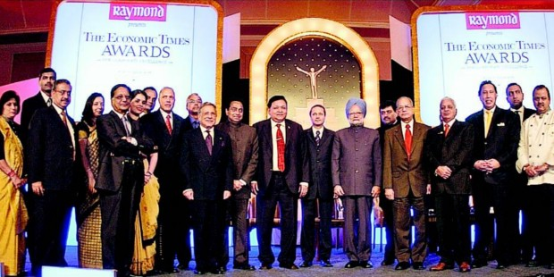 Dilip Shanghvi with other Indian Business Tycoons at  ET Awards