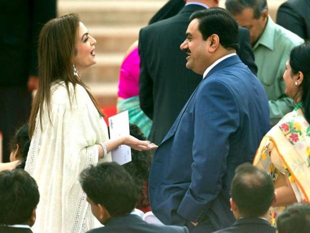 Gautam Adani with Mukseh Ambani's Wife Nita Ambani