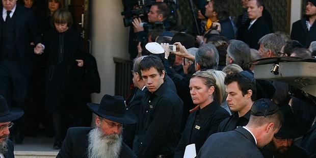 Fiona Geminder, During Funeral of Richard Pratt