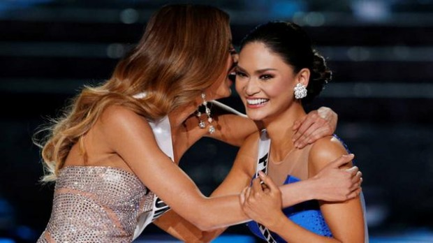 Miss Colombia Ariadna Gutierrez, left, with Miss Philippines Pia Alonzo Wurtzbach