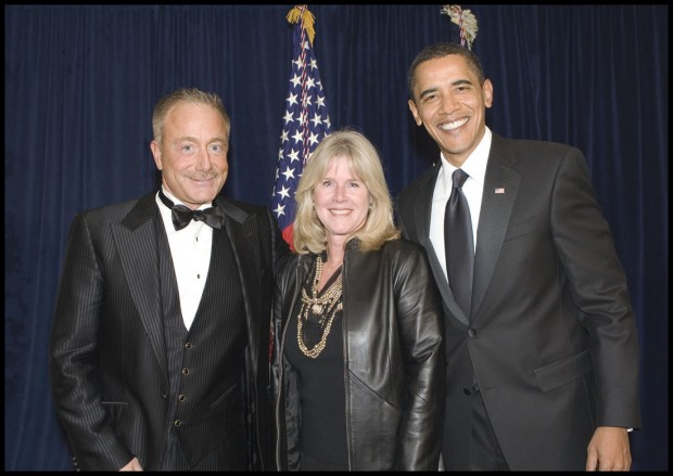 Terry Bean & Tipper Gore pose With Obama