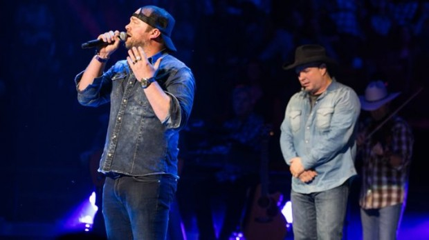 Garth Brooks And Lee Brice Sing Duet