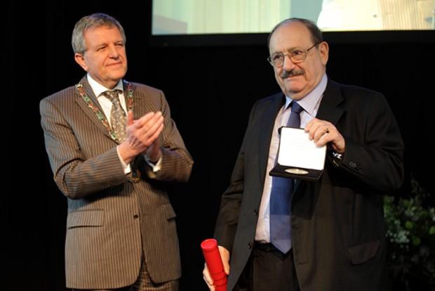 Umbert Receving Nijmegen Medal