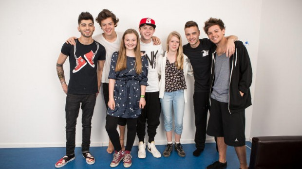 One Directions With Fans