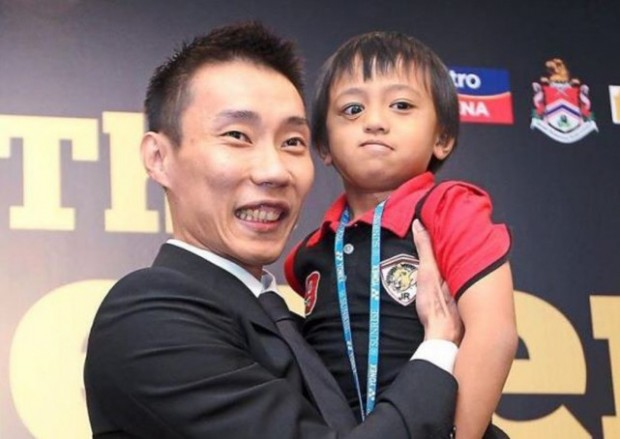 Cancer stricken boy Meets idol Lee Chong Wei