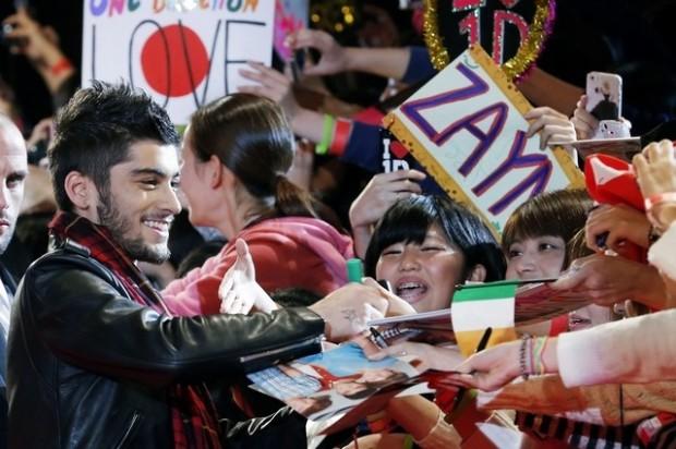 Zayn Malik Among His Fans