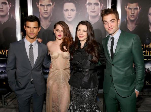 Kristen Stewart, Robert Pattinson, Taylor Lautner with Stephenie Meyer