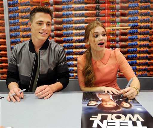 Colton Haynes and Holland Roden at Comic Con