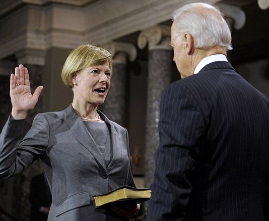 Tammy Baldwin swearing as Senator