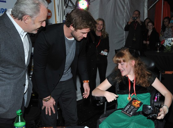 Liam Hemsworth Visits Teens at Twilight-Topping Charity
