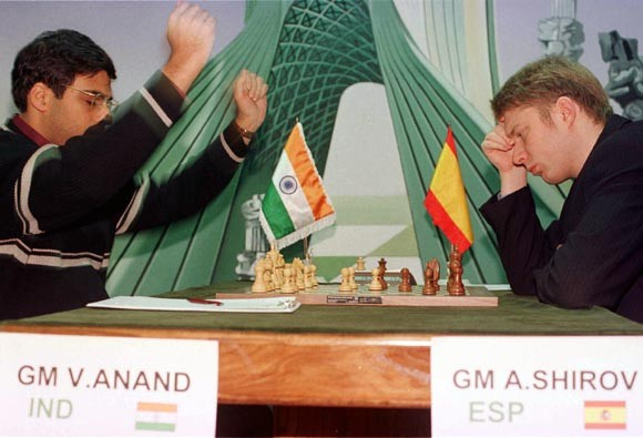 Viswanathan Anand Playing against Alexei Shirov