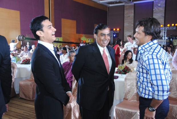 Mukesh Ambani with Sachin Tendulkar and Aamir Khan