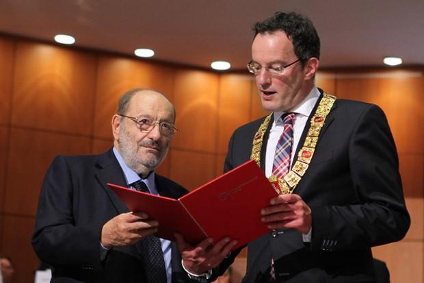 Umberto Eco Receives Guttenberg Award