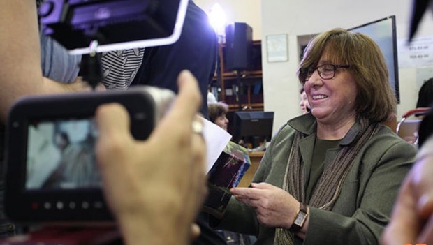 Svetlana Alexievich Meets With Readers