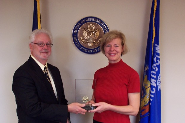 Tammy Baldwin taking Congressional Partnership Award