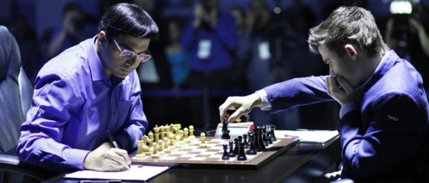Viswanathan Anand Playing With Magnus Carlsen In World Championship 2013