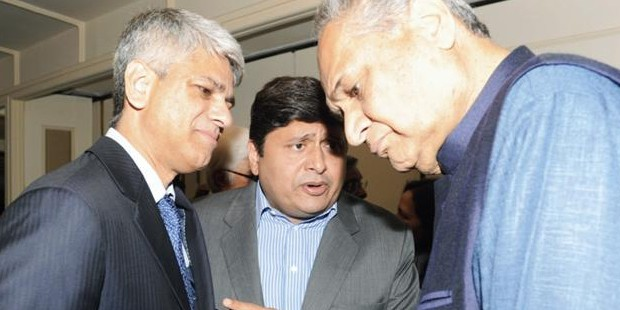 Rahul Bajaj With Bobby Parikh, Manish Kejriwal