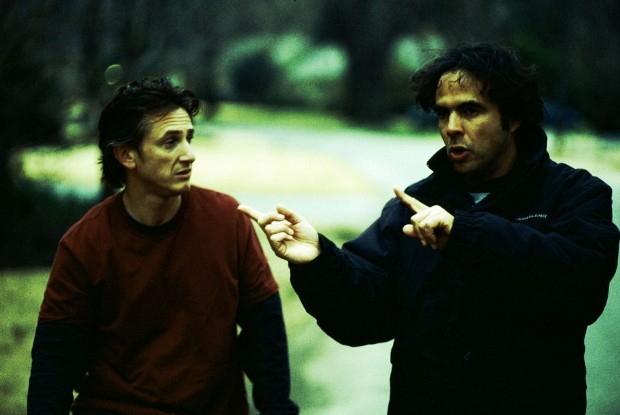 Alejandro González Iñárritu and Sean Penn in 21 Grams