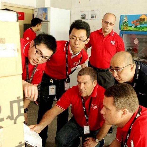 McMillon with Yihaodian Executives
