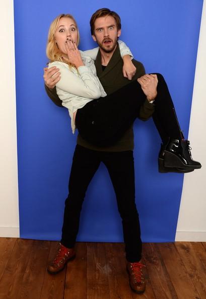 Dan Stevens with Maika Monroe