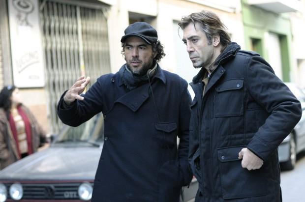Alejandro González Iñárritu and Javier Bardem in Biutiful