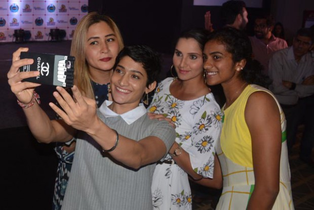 PV Sindhu posing for a selfie with Ashwini, Gutta Jwala and Sania Mirza