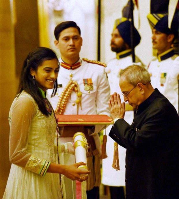 PV Sindhu receives Padma Shri award from Indian president Pranab Mukherji
