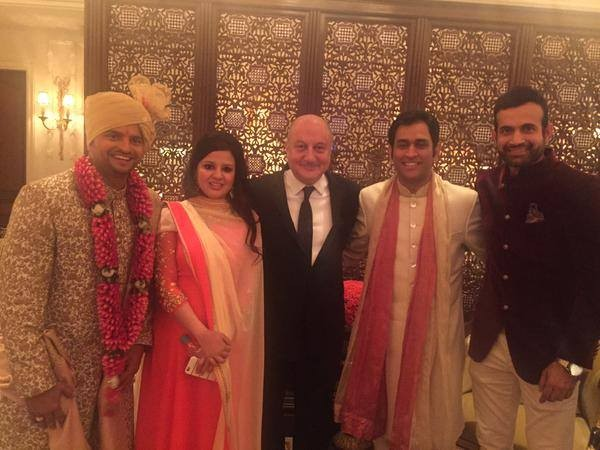 Irfan Pathan, MSD, Anupam Kher and Sakshi at Raina's Wedding