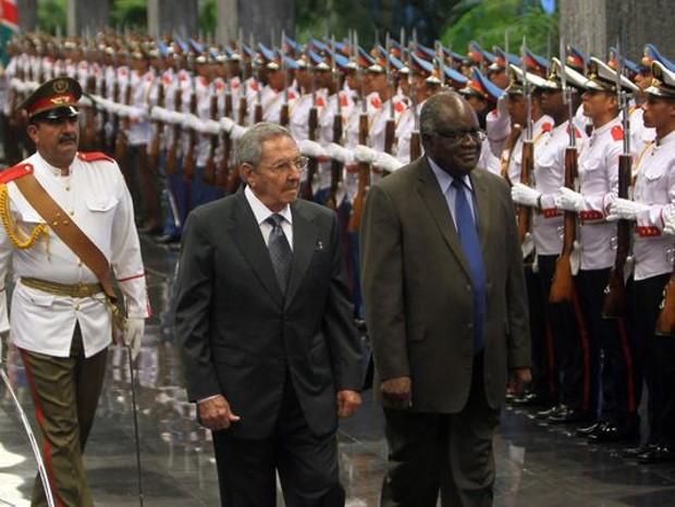 Raul Castro With Namibia's President Hifikepunye Pohamba