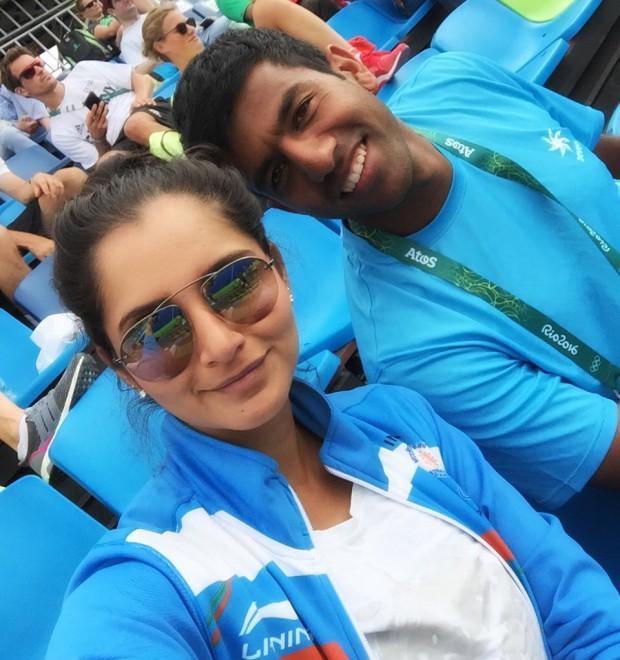 Sania and Rohan at Rio Olympics at Hockey match of India
