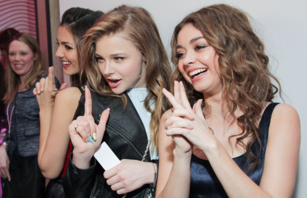 Sarah Hyland with Victoria Justice and Chloe Moretz