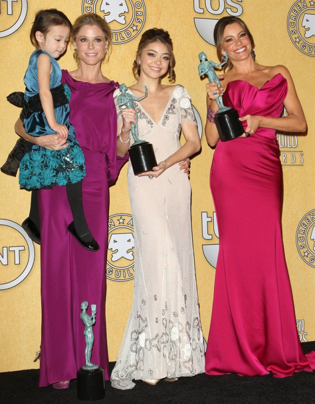 Sarah Hyland with Julie Bowen and Sofia Vergara at Screen Actor Guild Awards