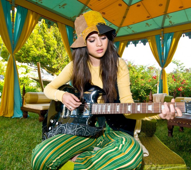 Selena Gomez playing a guitar for Sony Ericsson Xperia