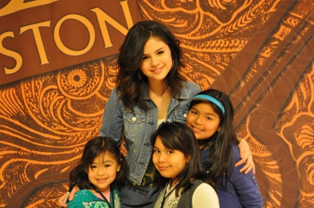 Selena with kids at Houston Rodeo