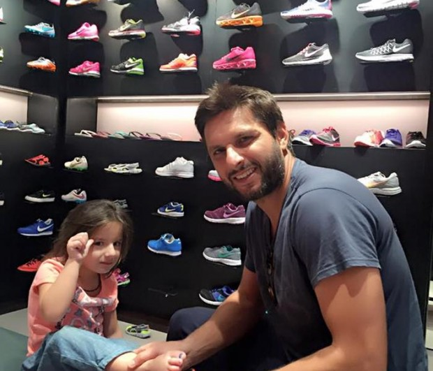 Afridi in Shoe Shopping