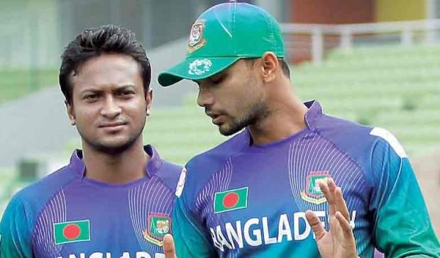 Shakib Al Hasan With Bangladesh skipper Mashrafe Mortaza