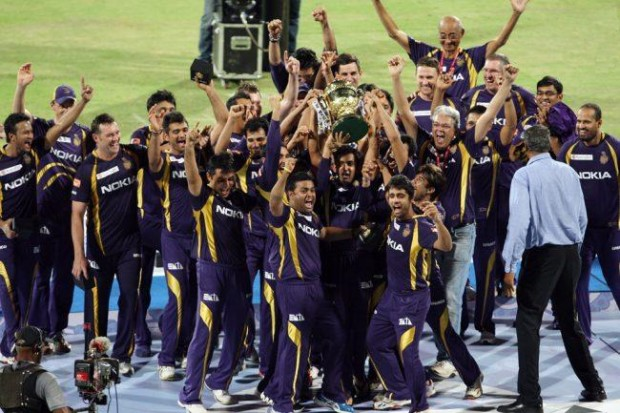Shakib Al Hasan and Teammates celebrating after winning IPL for the first time