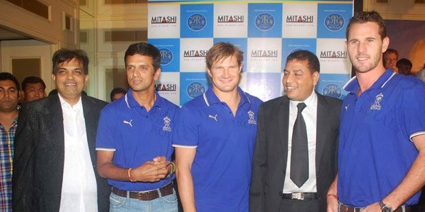 Shane Watson with Rahul Dravid and Shan Tait at Launching of MITASHI LCD TV