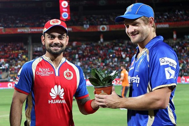 Shane Watson with Virat Kohli during an IPL Match